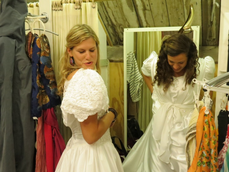 Trying on ugly bridesdresses in a 2nd hand shop