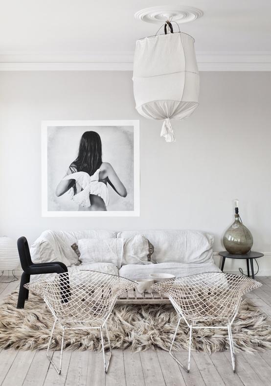 bertoia-diamind-chairs